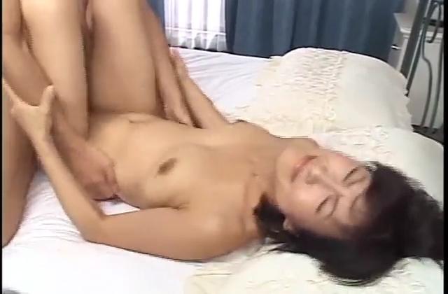 【美少女セックス動画】黒髪ショートカットの美少女が想像以上のエロさを魅せるハメ撮りセックス動画!